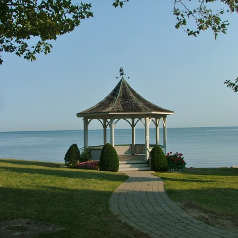 Gazebo at Queens Royal Park